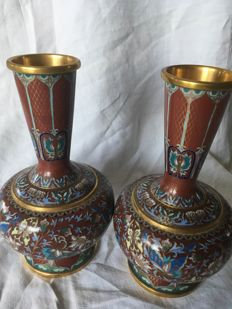 A pair of cloisonne vases - China - second half of the 20th century