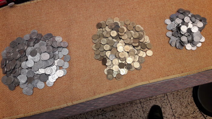 Italy, Republic - Lot of 900 coins from the 1950-80s