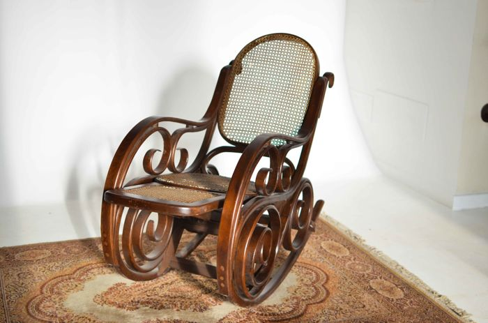 Thonet Style Rocking Chair   Stem Bent Beechwood   Large Frame