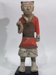 Painted weapon-bearing earthenware figurines – Height: 47.24 cm