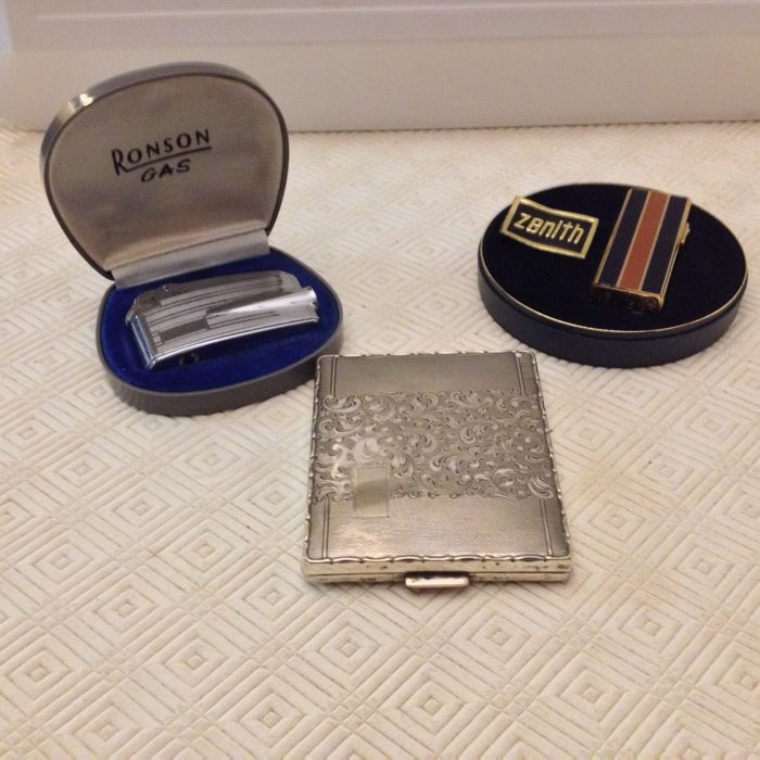 Vintage set cigarette holder and lighters Ronson and Zenith