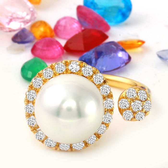 0.85 Carat Diamond And 11.00mm Gold South Sea Pearl Ring In 14K Yellow Gold - Ring Size: 7 *** free shipping *** no reserve *** free resizing