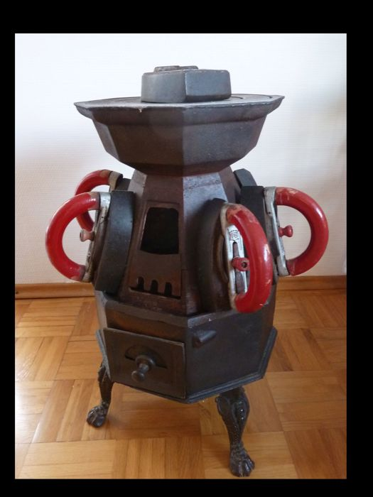 Jugendstil/Art Nouveau Stove - excellent decorative piece!! - original Iron stove from around 1860-1920 with 9 irons!!