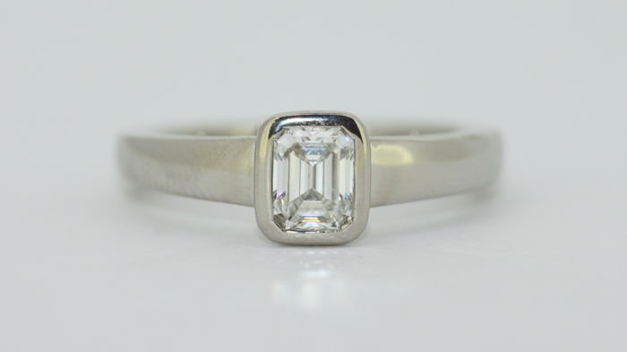 Boodle & Dunthorne - Platinum Ladies Ring with Diamond ( 0.50 CT ) Circa. 1980's - Size UK : N US : 7 EU: 54