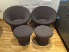 Pierre Paulin for Artifort - 2 Mushroom Chairs and 2 F560 Stools