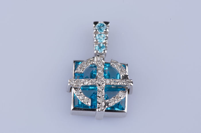 18 kt. White gold - Pendant Topaz