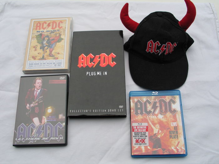 AC/DC - Lot of 6 DVD's and 1 cap.