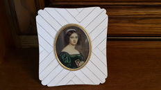 Miniature painting on ivory of a very beautiful Lady, and frame in ivory plates on a wooden frame - circa 1920