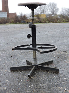 Industrial hairdresser's - workshop stool - heavy duty version