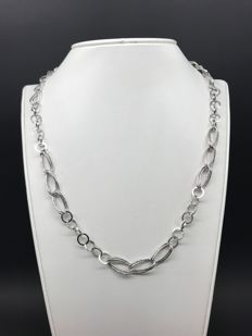 Necklace in 18 kt white gold, length: 45 cm