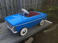 Moskvitch - pedal car cabriolet - Russia - 1981