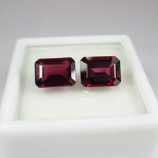 Rhodolite Garnet Pair - 3.85 Ct - No reserve price
