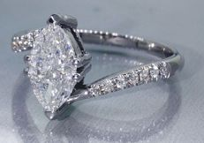 Elegant white gold cocktail ring with diamonds total 1.05 ct.