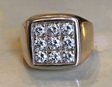 18 kt white gold ring with brilliant cut diamonds, approx. 0.90 ct G/VVS