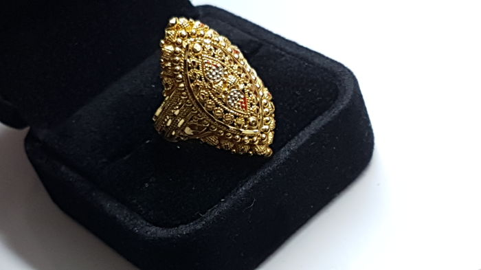 22 kt gold ring - Ring size: 18 mm