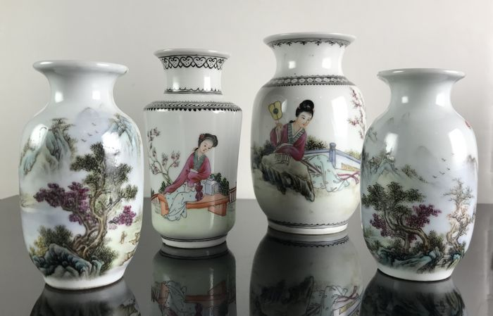 Set Of 4 Chinese Vintage Vases China Second Half 20th Century