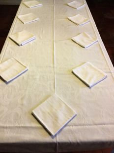Very large and elegant French damask tablecloth with ten beautiful napkins, nice quality, monogrammed
