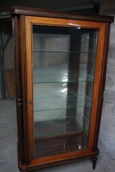 Large showcase in empire style, in wood with glass door - the key is present - early 20th century