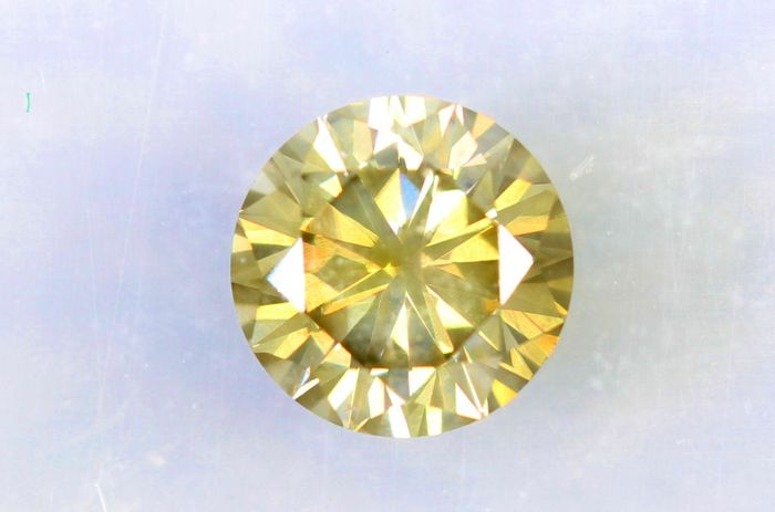 Diamant van 0.54 ct  - Fancy Greenish Yellow - VS2 - * No Reserve Price *