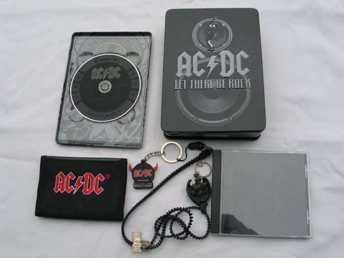 AC/DC - Lot of 1 DVD box (1 DVD + 1 Bleu Ray disk) + 1 DVD + 1 CD + accessories .