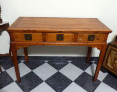 A pinewood altar table/console, without nails - China - 20th century