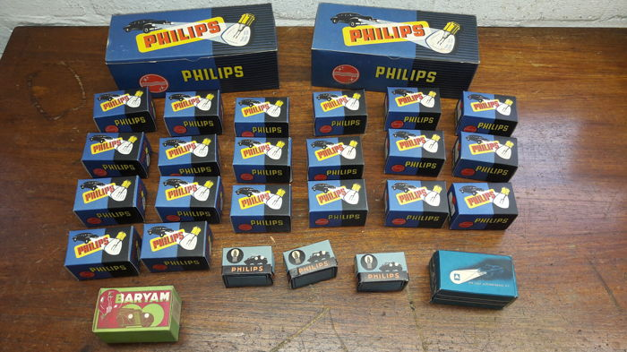 New Old Stock, Philips en Baryam oldtimer autolampen in mooie originele verpakking - 25 lampen in 27 dozen.