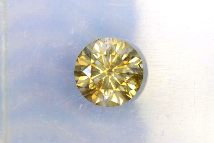 Diamant van 0.47 ct  - Fancy Yellowish Gray  - SI2 - * No Reserve Price *