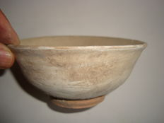 A rare Chinese ceramic bowl  -  157 x 59 mm