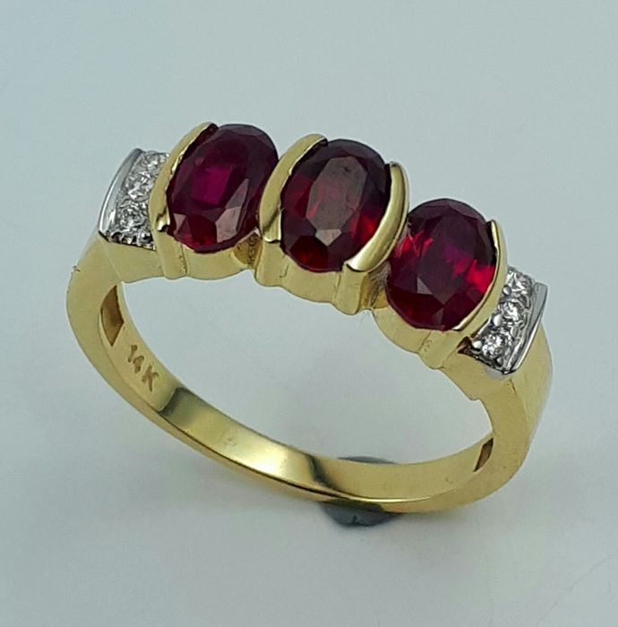 Ruby & Diamond Ring, 14 CT Yellow and White Gold, size 16.50mm, Total Weight 3.36g
