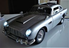 "Eaglemoss - Schaal 1/8 - Aston Martin DB5 - James Bond Special ""GOLDFINGER"" edition"