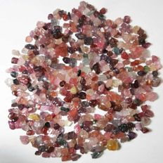 Large lot of rough Spinel crystals - 526.00cts