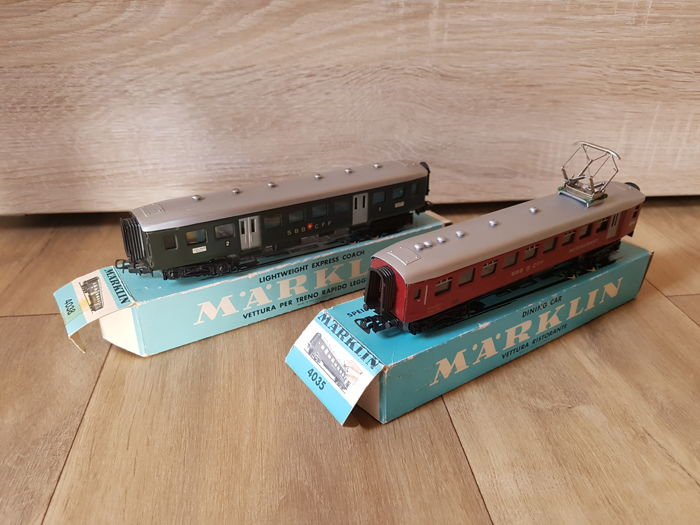 Märklin H0 - 4035/4038 - 1x Dining carriage and an express train carriage of the SBB CFF