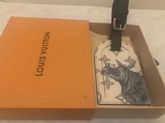 Louis Vuitton - Limited edition monogram eclipse luggage tag