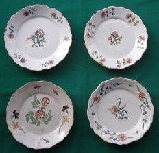 "La Rochelles / Ancy-/Rouen  -  Set of 1+2+1 Plates "" Flowers "" - France - mid-18th century"