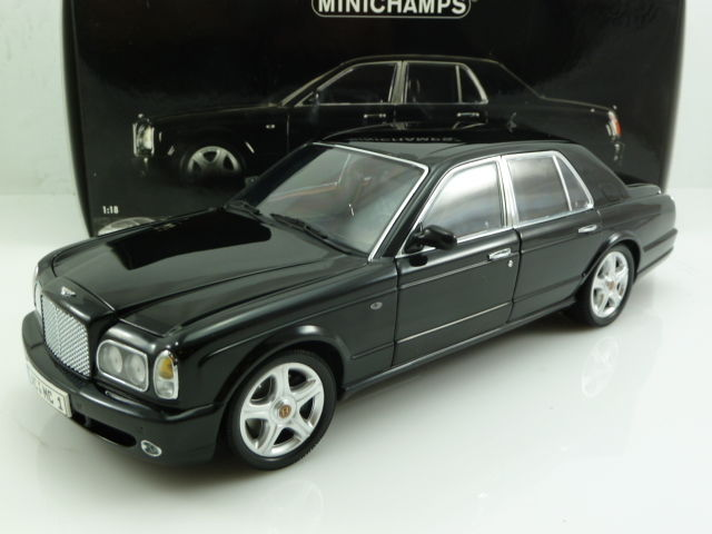 Minichamps - Scale 1/18 - Bentley Arnage T - 2002