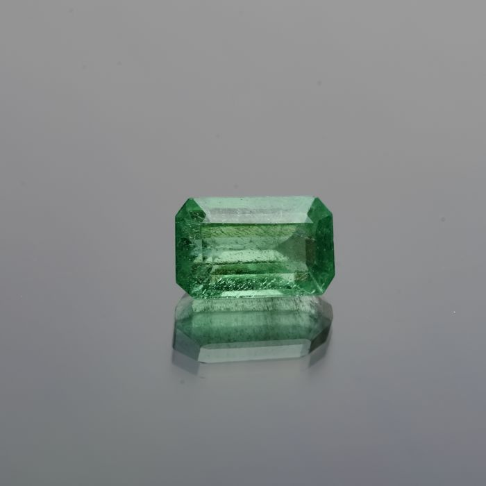 Emerald - 1.73 ct  - No Reserve