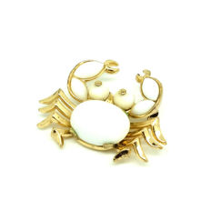 Rare 'Trifari Pat Pend' stamped on reverse Milk Glass Crab Brooch designed by Alfred Philippe. 1940's. prototype