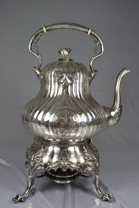 Silver plated metal samovar, United Kingdom, by James Dixon & Sons, 19th century