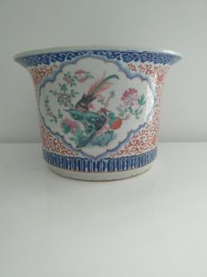 Famille rose porcelain jardinière decorated with flowers and birds, China, 19th century