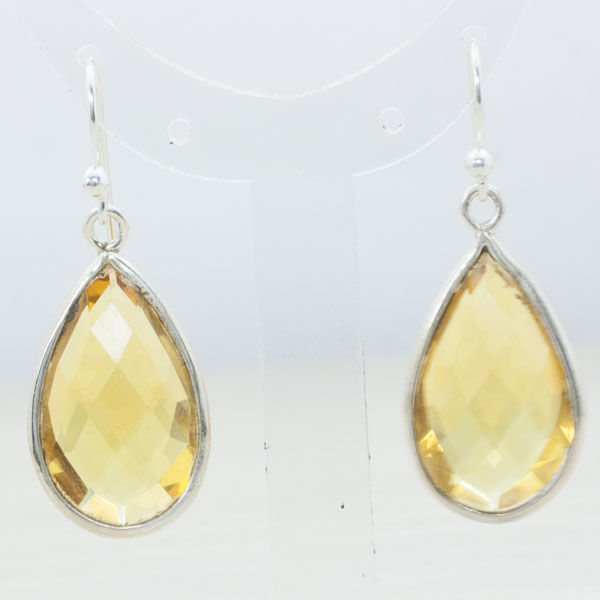 Citrine earring mounted on 925 sterling silver