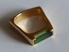 18 kt yellow gold ring with tourmaline