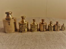 Lot of 7 Dutch weights with brass knob - from 1870