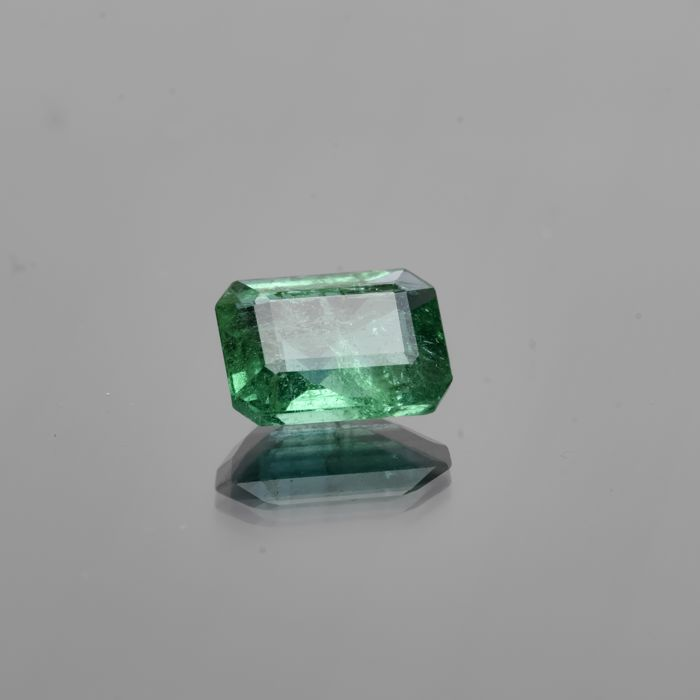 Emerald - 2.19 ct  - No Reserve