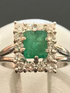 Pretty 18 kt white gold ring with 1.45 ct of emerald and Top Wesselton diamonds – size 52 / 16.54 mm