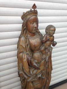 Very large wooden figure of Madonna with child - c. 1500