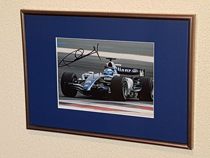 Nico Rosberg -  World champion Formula 1 - hand signed + COA.