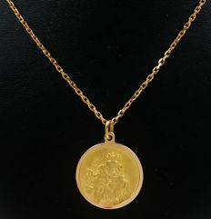 Reinforced mesh necklace and Virgin medal in 18 kt yellow gold