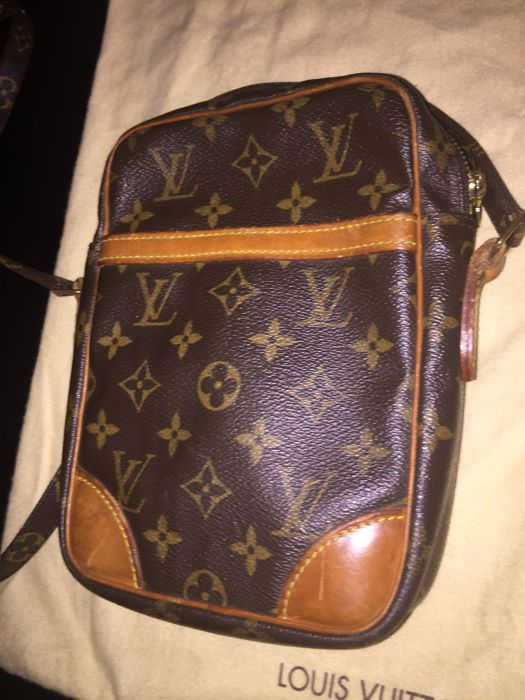 31a338efaed Louis Vuitton Crossbody tas - VIntage - Catawiki