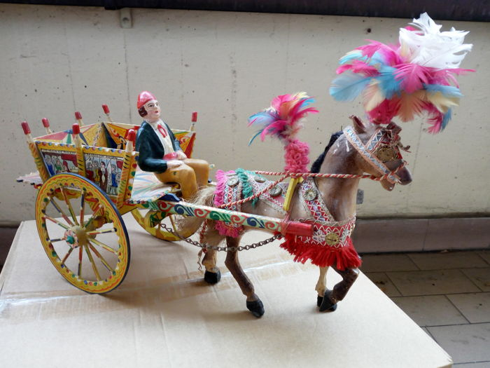 Original Sicilian cart model - wood, paper mache and feathers - first half of 20th century - Sicily, Italy