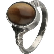 925/1000 Silver tooled ring set with a tiger's eye - ring size: 17.5 mm